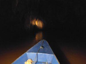 世界遺産洞窟の中