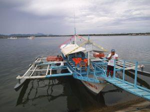蛍ウォッチングツアーの中型ボート