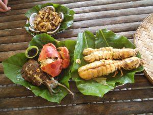 調理されたシャコ、魚介、エビなど