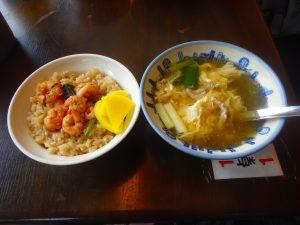 エビご飯と卵スープ