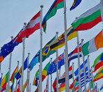 はためく世界の国旗
