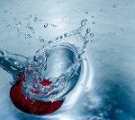 水滴が跳ねる写真