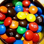 カラフルなチョコレートの粒
