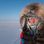 極寒の南極を探査する調査隊員