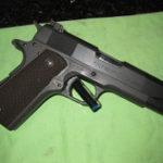 コルト拳銃