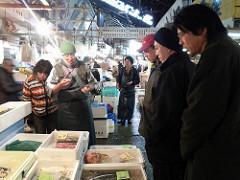 早朝の東京築地市場