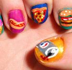 ペプシ、ピザ、ホットドッグ、ハンバーガー、アイスクリームなどジャンクフードをテーマにしたネイルアート
