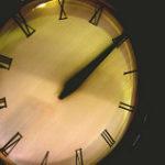 12時きっかりを示す時計