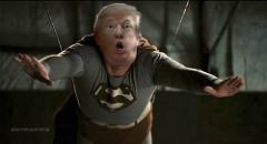 スーパーマンの格好をしたトランプ大統領