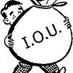 I.O.U(借用書)の大袋を抱える男性