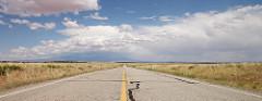地平線に続く道路