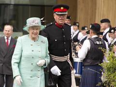 イギリスのエリザベス女王