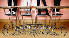 Honors Societyと書かれたポスター