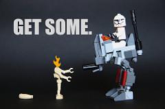 Get someと書かれたロボットのポスター