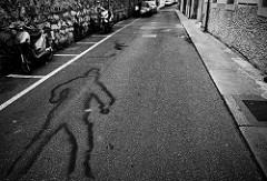 交通事故の被害者の陰