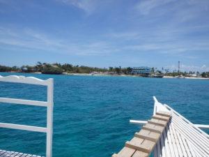 船上から見たマラパスクア島