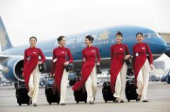 ベトナム航空のキャビンアテンダントたち