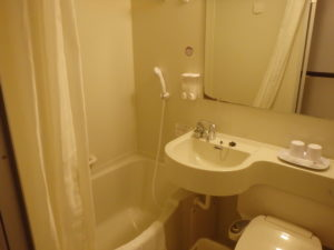 シャワーとトイレと洗面室