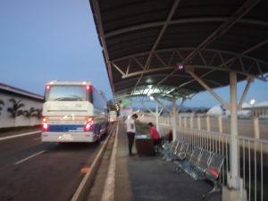 クラーク空港発マニラ空港直行バスの乗り場