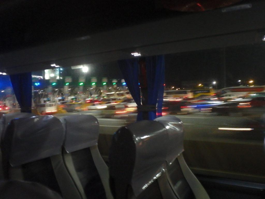 バギオーマニラ間高速道路出入り口付近