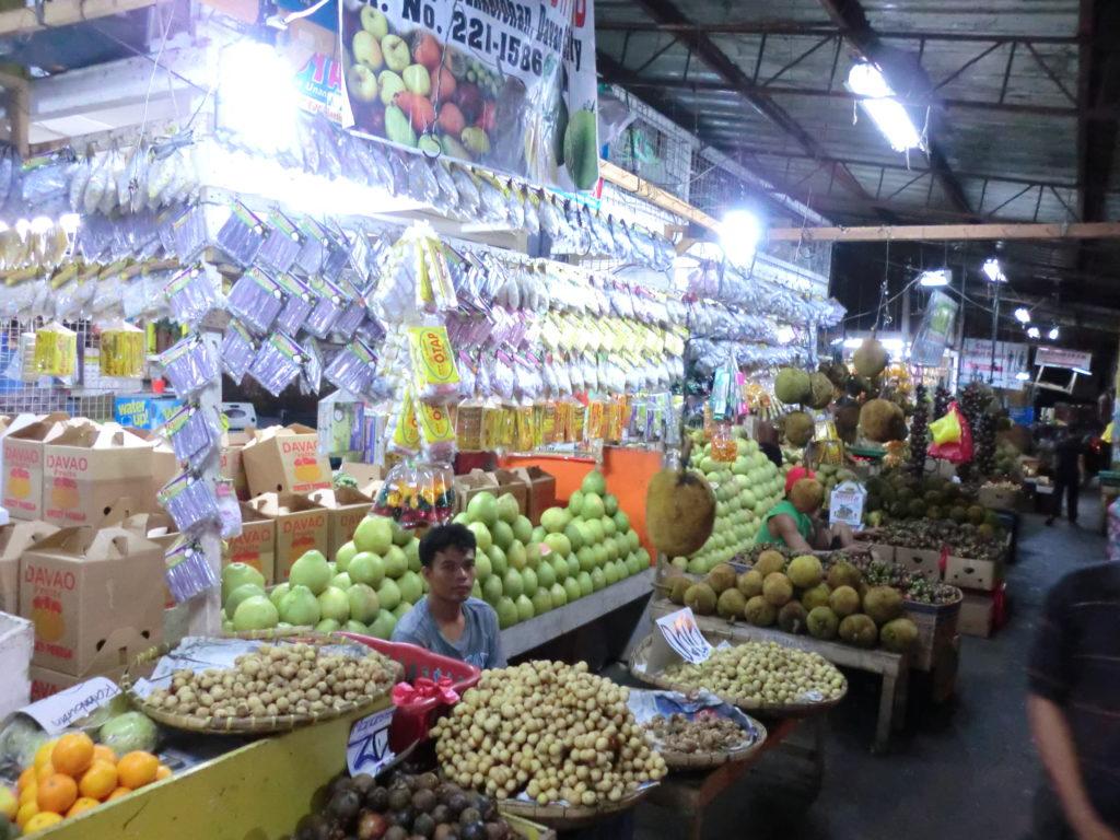 ダバオのフルーツマーケット