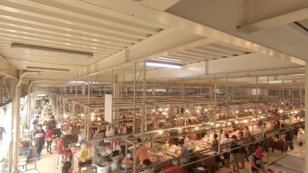カルティマール市場の生鮮魚介野菜市場