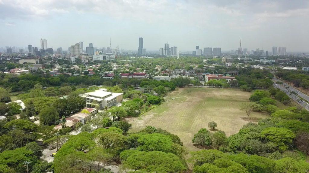 UP Dilimanのキャンパスにあるドローンとラジコンの練習場