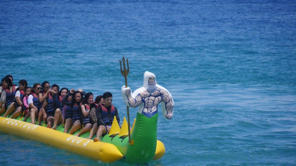 バナナボートと乗客