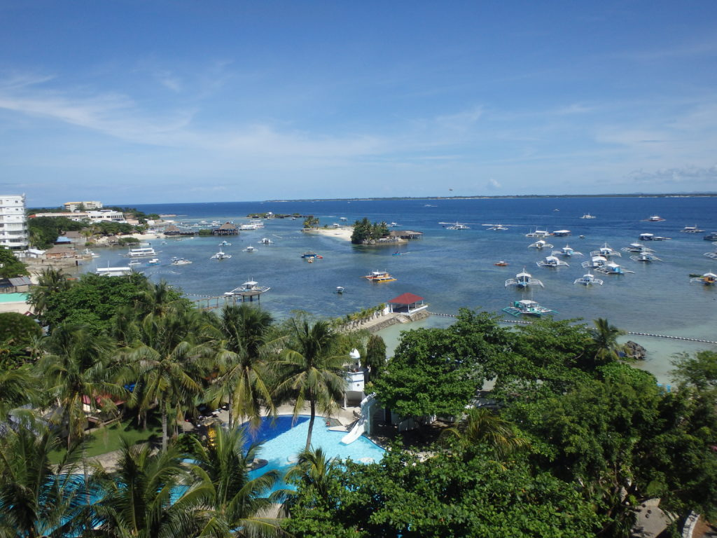 EGIホテルの屋上から見た大海原