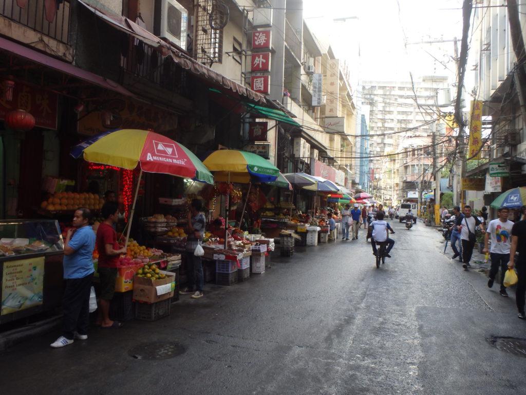 オンピン通りの街並み