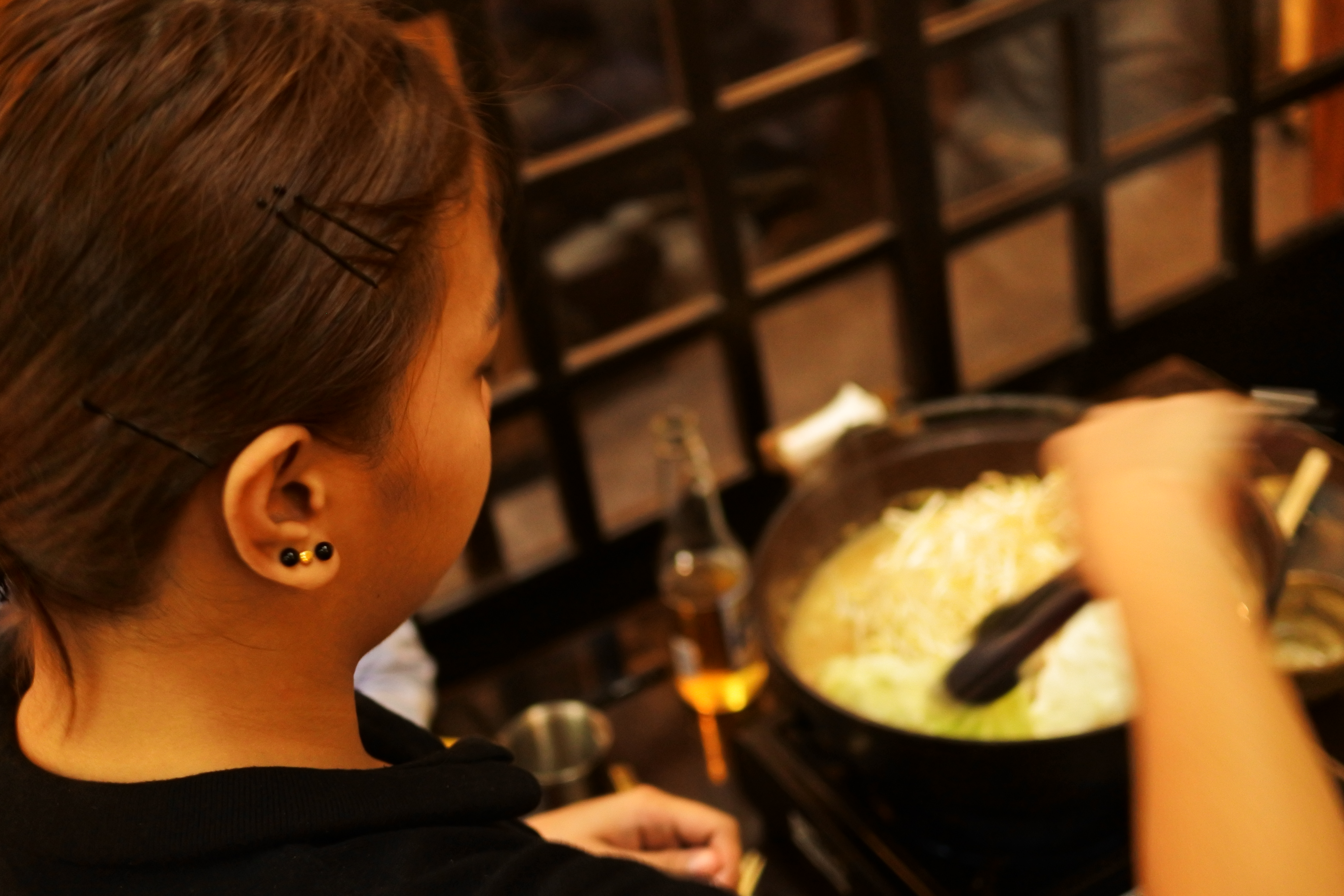 マニラでちゃんこ鍋:リトル東京関取