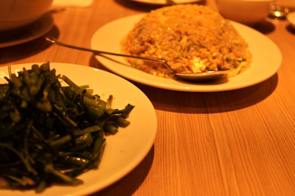 チャーハンと空心菜