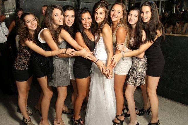 アルゼンチンの満15歳の女の子たち