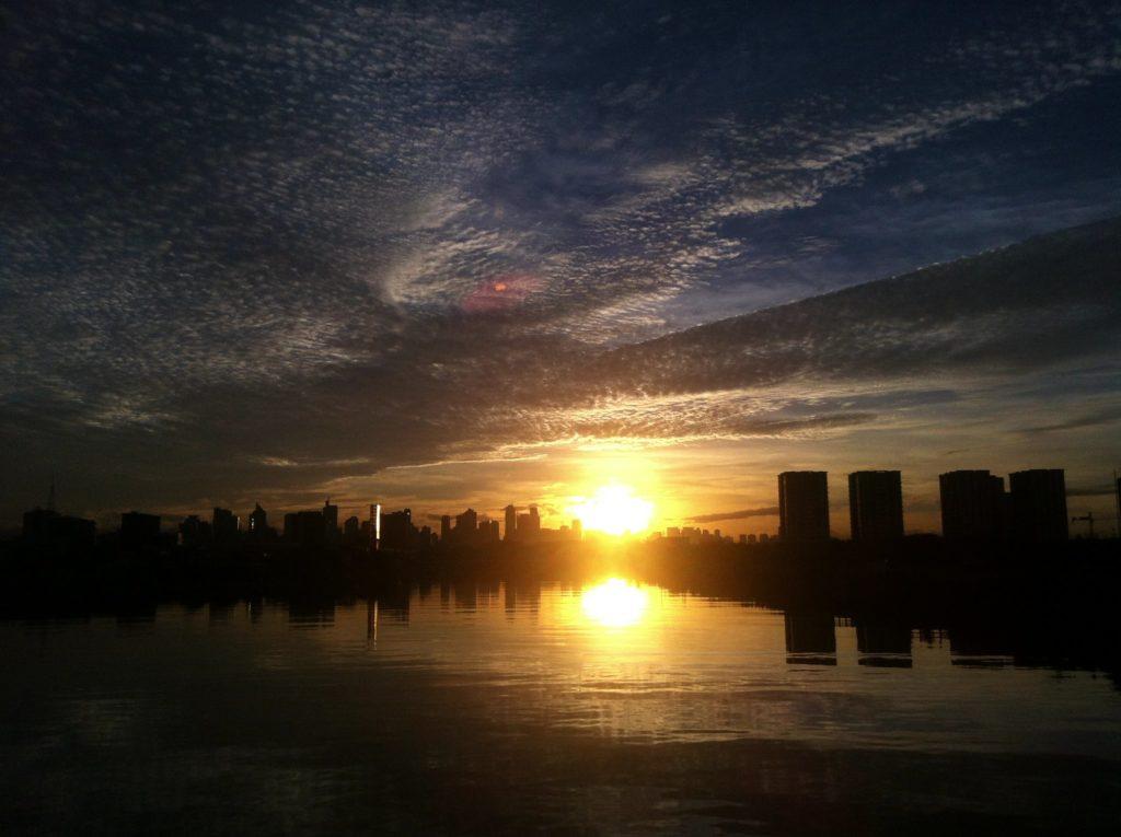 マニラ湾の日の出