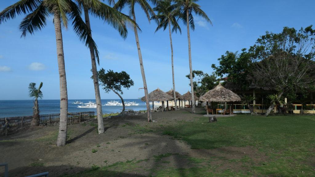 ホテルの海が見える前庭