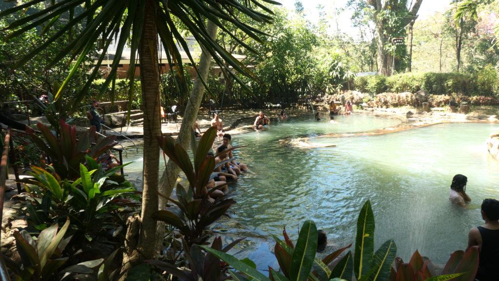 マンブカルの大衆温泉