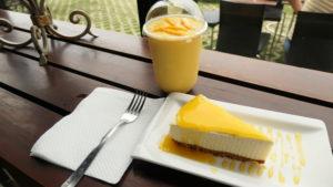マンゴーシェイクとマンゴーチーズケーキ